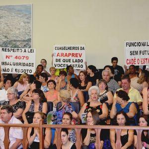 Prefeitura exclui oposição sindical de negociação salarial.