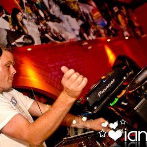 August 2011 Tech House Mix
