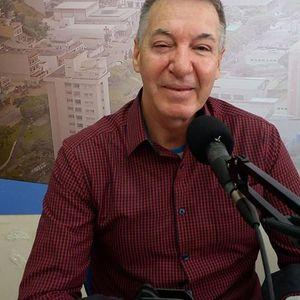 Entrevista com Alfredo Ribeiro, Pio, falando sobre o projeto O Teatro vai à Escola e sua trajetória