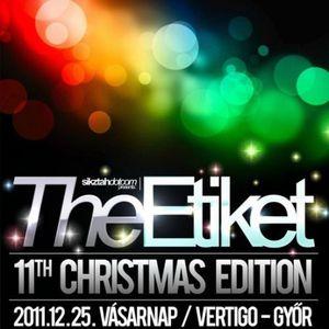 Snake_Sedrick_a.k.a._Son-Tec_-_Live_@_The_Etiket_Christmas_Party_(Club_Vertigo)