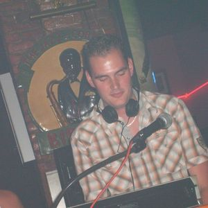"DJ Tom G. ""Something Different"" Part 1  (Recorded Live november 2012)"