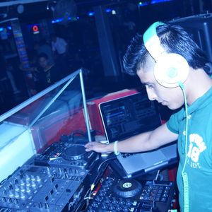 MAMBO & HOUSE (DJ Fhernando Tapia)