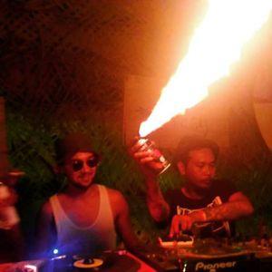 Live Mixtape at Bestival Bali 2017 - Rombong Reggae SoundSystem Selector  Juik Cobra