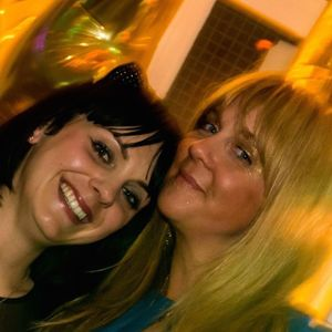 Instant Sisters Kitchen Party on 1brightonfm.co.uk - 4th Dec 2015 - Xmas special with Suze Rosser