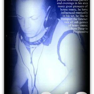 StevGarden - Deep & Deeper 042 (05 Nov 2011)deep-tech-progressive-house