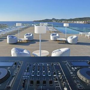 Ibiza Sol House Pool Groove's Volume 2,  30/09/17  Adelphi Warm-Up Set.