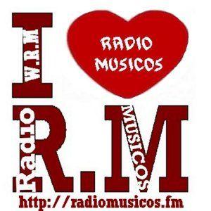 Rosana Paris au studio Radio Musicos