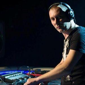 spirit in the beat-mixed by genetic grooves guru