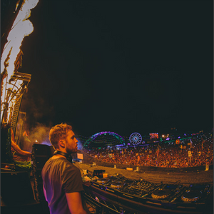 Calvin Harris live from Electric Daisy Carnival - Las Vegas - 2015