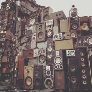 DJ Mili On Air - Strawberry Fields MIX