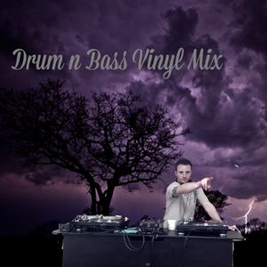 21 Liquid/Bouncy Drum n Bass Tracks From Vinyl Some White Lables.... Enjoy