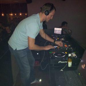 Dan Harwood - May 2012 Promo Mix