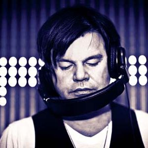 Paul Oakenfold - Essential Mix In London at Home on 10.31.99