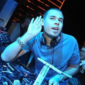 Afrojack and Bobby Burns - Jacked (Radio538)( 08-04-2012)