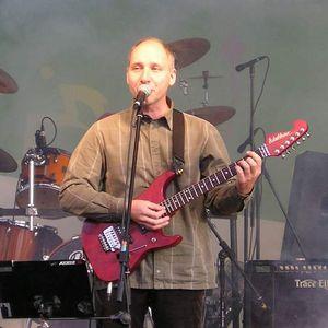 Wywiad z Jakubem Sienkiewiczem, wokalistą i liderem Elektrycznych Gitar
