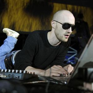 Paul Kalkbrenner Live @ Essential Mix (30.07.11)