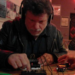 Gino Robair - Mini Synthesizers Jam