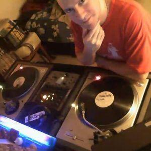 DJ Robballz - VL THROWDOWN #2 (DJ RavePsycho Edited Version)