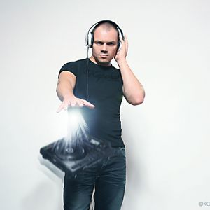 DJ CYRIL G. - FEEL THE VIBES MIX