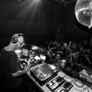 MQ warm up for DJ VIBE@Plano B (25-11-16)