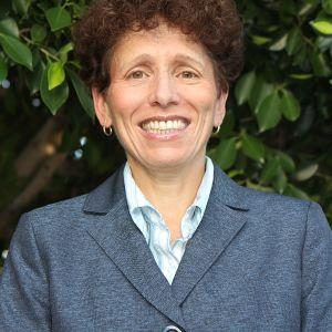 Dr Mona Morstein