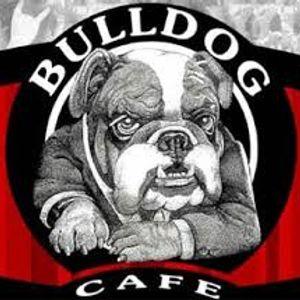 Bulldog Café 19 años