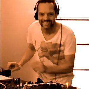 """DA HOUSE MIX""  by DJ Phil"