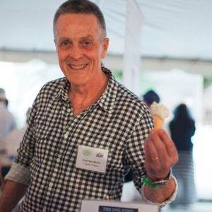 Gelato Fresco's Owner Tickles People with Nice Ices