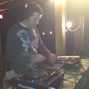 dj marcop(Nit De Club23/Frequència194 30/15 Juny 2012)