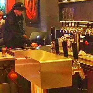 4.5 hour long set I did at Hoi Polloi brewpub and beat lounge on 3/25/16