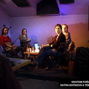 Listopadový Lokál ´13 - Katka a Markéta Kotkovi