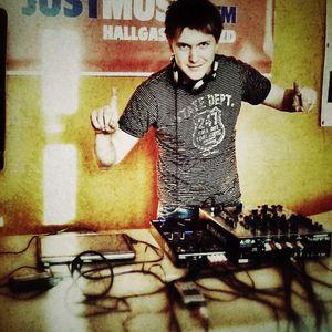 (JustMusic.FM) PlayTek Live - Laslie Grand (2012 05 11)