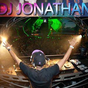 MIX FULL REGGAETON 2011 BY DJ JONATHAN (TH@N)