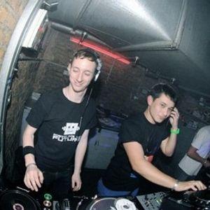 Tommi + Nic Liu - Glitterbug mix 2009