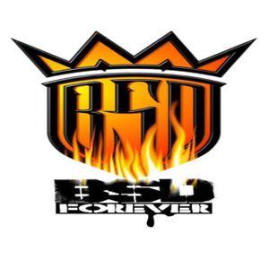 opening live set for reggaeton by DJLWi$E.....