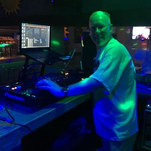 KEV KINCH IN THE HOUSE JULY 1ST 2017 ANOTHER BUNCH OF TOP TUNES FOR YOU TO ENJOY ALL MIXED LIVE