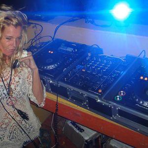 From Ibiza to Bonaire , ... Feeling U