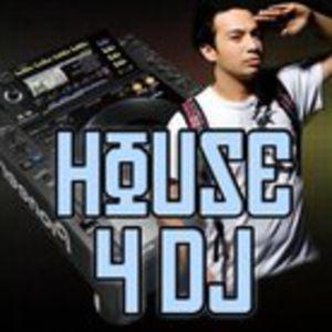 ¤ .Electronice #28. ¤ by Jozc Ilin aka Aron Barclay [March 18th 2011] on Tracklistings Radio Show