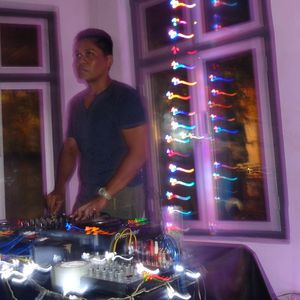 Live at Technical Thursday @ Oxen Free (oct 8 2015) part 2