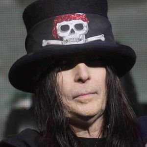 Archive: Mick Mars from Motley Crue jan21 2010