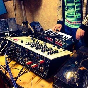 MIDI K84 - DJ Set @ La Cueva (Ampuero) - April 26th 2014