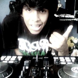 REVENGE - DJ RAFAEL PARREÑO