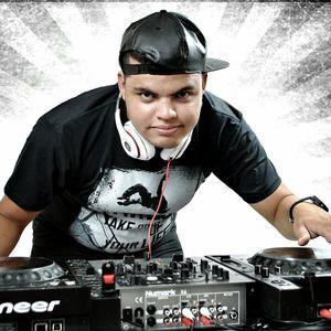Mix Reggaeton 3 Abril 2015 - DJ Richard Ramirez