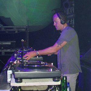 Danny Rampling live set  at radio italia network @ metrodance headliners 2003