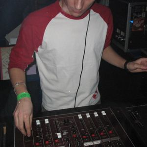 3-decks groovy techno DJ set (2002)