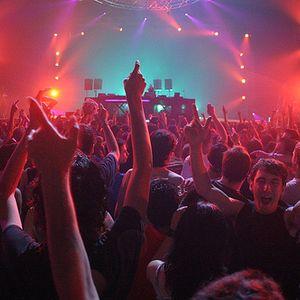 Simian Mobile Disco – Live @ Sonar 2012, Barcelona (Essential Mix) – 16-06-2012