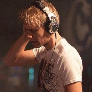 Armin van Buuren- A State of Trance Episode 719