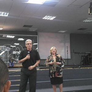Palestras do Dr Kevin Mannoia e Dra Jo Anne Lyon no encontro da Fraternidade Wesleyana de Santidade