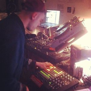 NTS 21/5/2012 w/ Special Guests ARP101 & Fracture