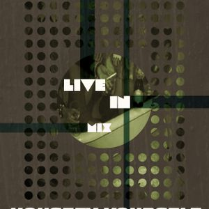 Live in the mix show Housefy Yourself from 23/11/2012